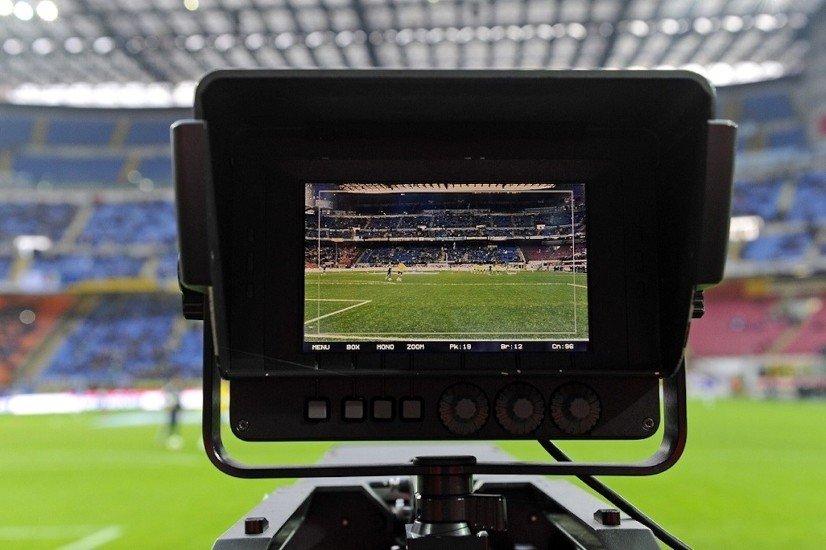 Chiomenti con 7 club di Serie A nelle contestazioni al presidente della Lega Serie A