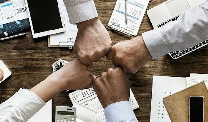 Avvocati d'affari e rappresentazione della nuova leadership