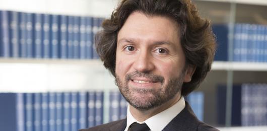 Distribuzione e luxury outlets: Russo De Rosa vince per Gens Aurea